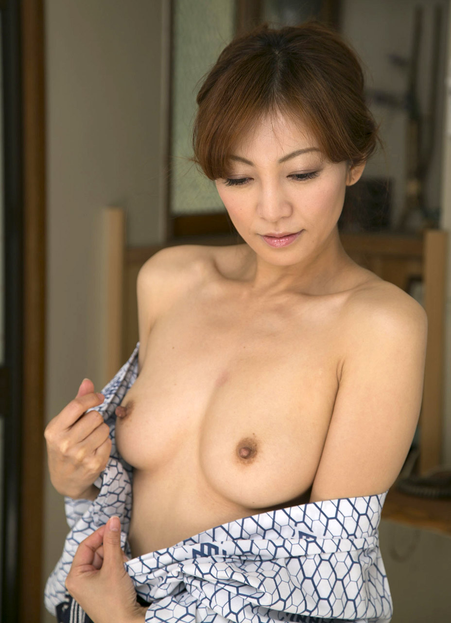 Sex Ryo Hitomi Amateur Blonde Teen vs Huge White